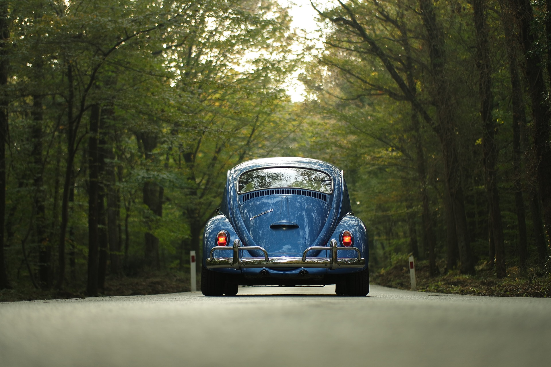 car-1835506_1920