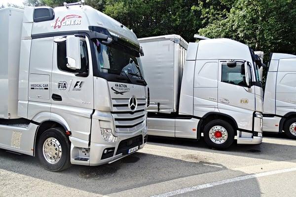 truck-2707699_640